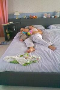 bedsharing9.jpg